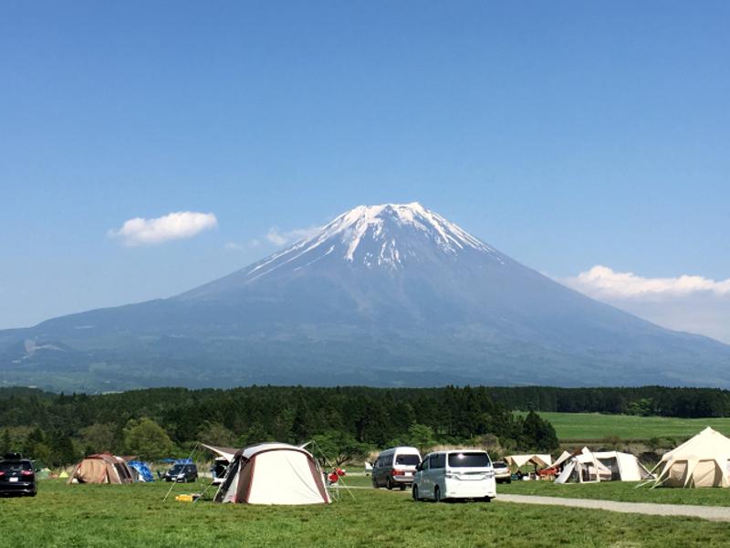 キャンプで風景を楽しむ